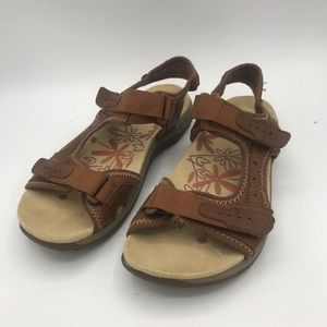 Earth Spirit Gelron Brown Leather Sandal size 7